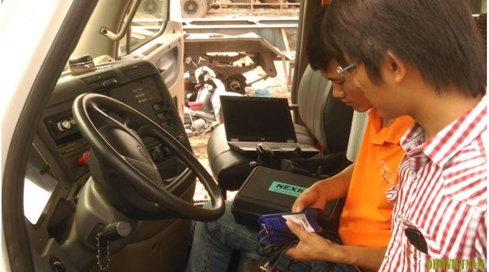 Thiết bị chẩn đoán xe đầu kéo NEXIQ 125032 USB LINK + Software Diesel Truck Diagnose