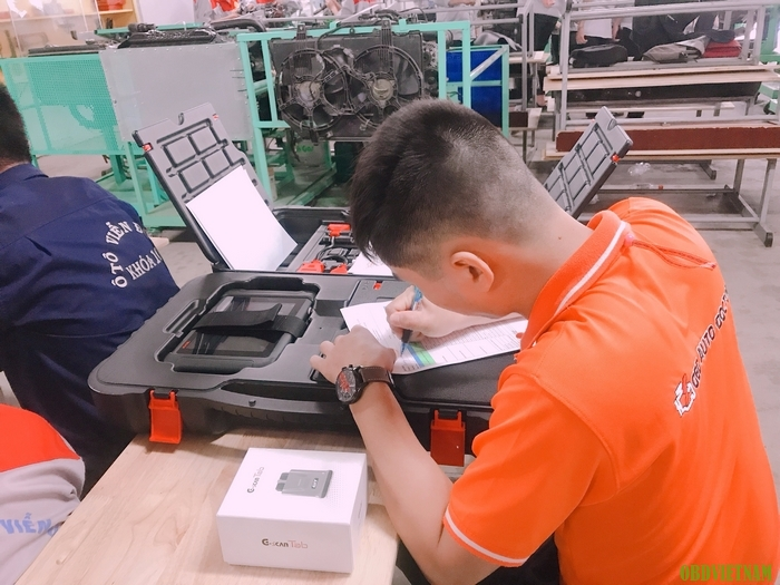 Chuyển giao Autel Maxisys MS906 và G-scan Tab