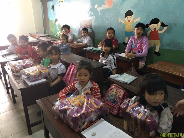lớp học tình thương tại mái ấm Kỳ Quang II
